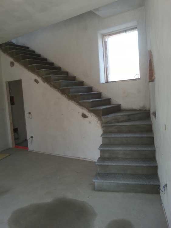 Vendita e fornitura scale in pietra di luserna vercelli - Scale in pietra lavica ...